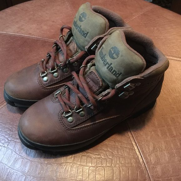 Timberland Women's Boots. Size 8 1/2. Timberland Women's Boots. Very Good Condition. Timberland Shoes Lace Up Boots