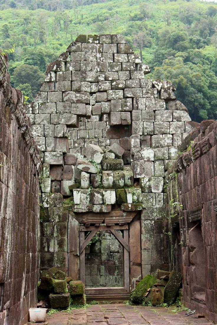 The ruins from Angkor temple @ Wat Phu, Champasak, Maik, Travel, Laos