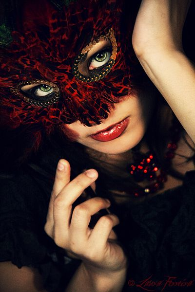 #masquerade red and black