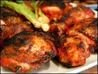 Recette du Poulet Tandoori, il s'agit d'une marinade pour barbecue de poulet. Ce plat est épicé, s'accompagne avec de la salade ou des fri...