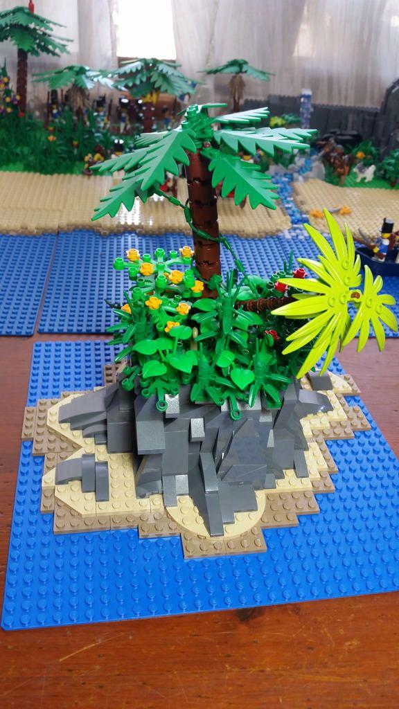 "Lego pirates castaway island  ""WILSON!"""