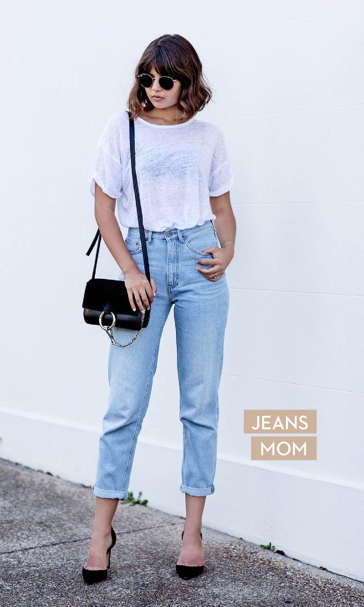 """O jeans """"mom"""" retornou à cena. De cintura alta e levemente desprendido do corpo, ele garante um visual fashion a qualquer hora."""
