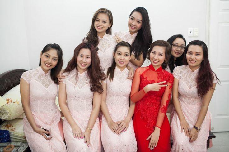 Ao Dai Traditional Vietnamese Wedding Ao dai lace ren  Áo Dài Rainbow  Https://facebook.com/rainbowwed Bridesmaid ao dai