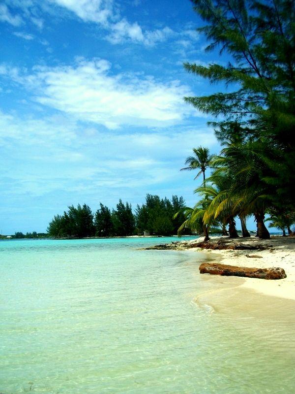 Wonderful Honduras http://www.travelandtransitions.com/destinations/destination-advice/latin-america-the-caribbean/
