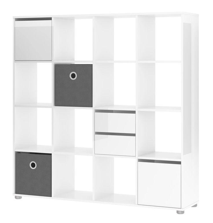 Divide Reol - Funktionel rumdeler med 16 rum i hvid højglans i et minimalistisk look. Der følger en smart tekstilkasse med til rumdeleren, så du nemt kan skjule de ting, du gerne vil have nem adgang til, men som du ikke ønsker roder i hverdagen. Rumdeleren tilbyder mange indretningsmuligheder, f.eks. kan den stå op ad en væg eller anvendes fritstående i rummet.