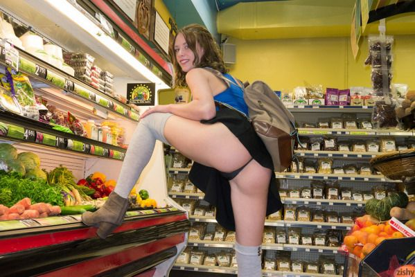 15 WTF Girls Caught In Public Doing Crazy Things!!