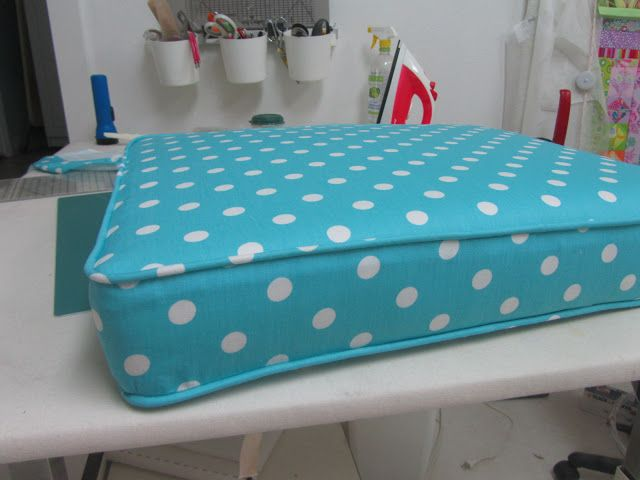 I need to do this for the trailer! cushion covering tutorial