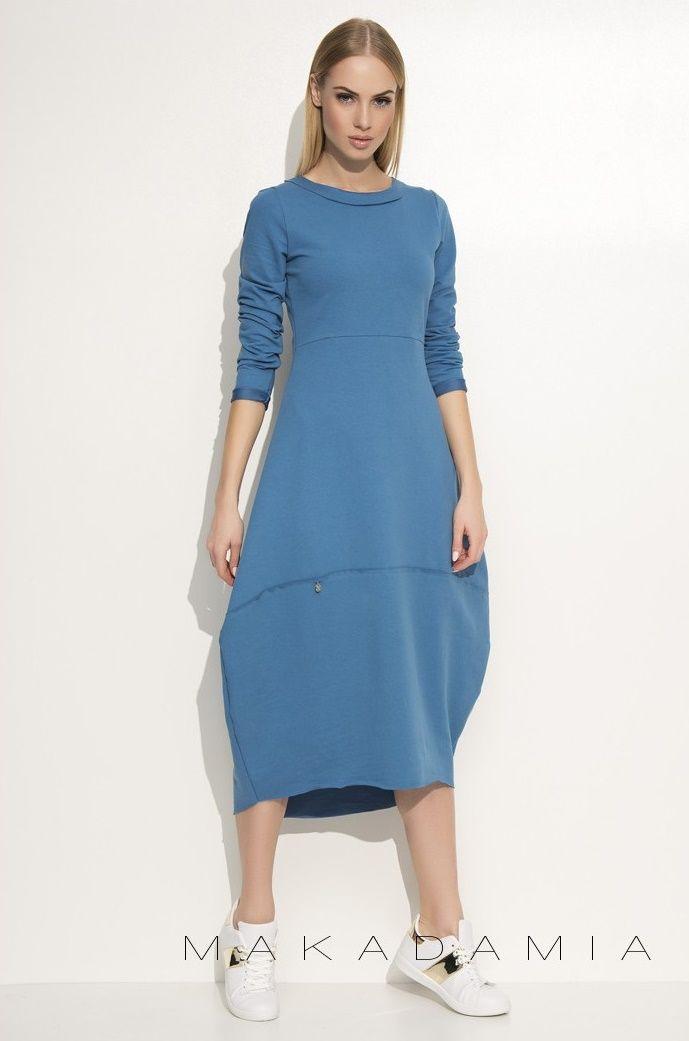 Dlhé modré šaty v nezvyčajnom strihu. Vyskoč z davu a buď TRENDY.