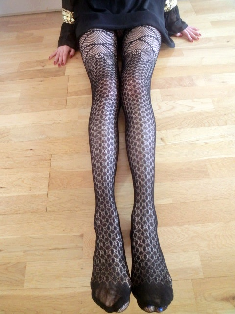 Bowknot tights. Just £5.99!! Buy 3 get 1 half price!! Buy 5 get 1 black tights for free!! Come to our market place at 20 john prince's st, london W1G 0BJ at 2 p.m on 5th June.