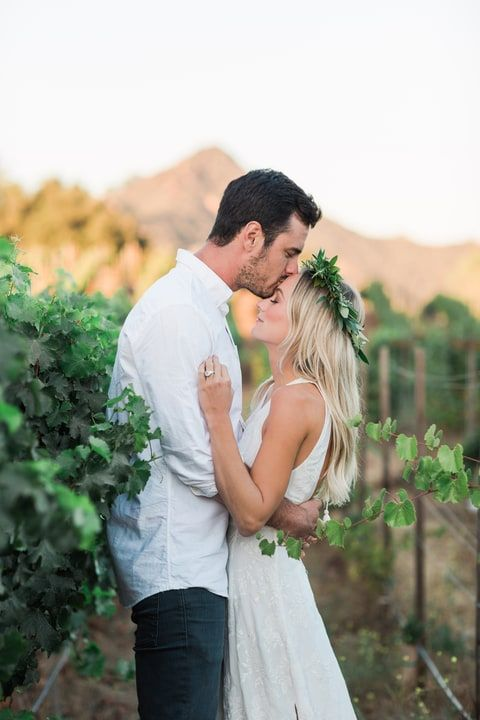 Lauren Bushnell and Ben Higgins engagement photos. Lauren in The Jetset Diaries Monta Vista Maxi Dress.
