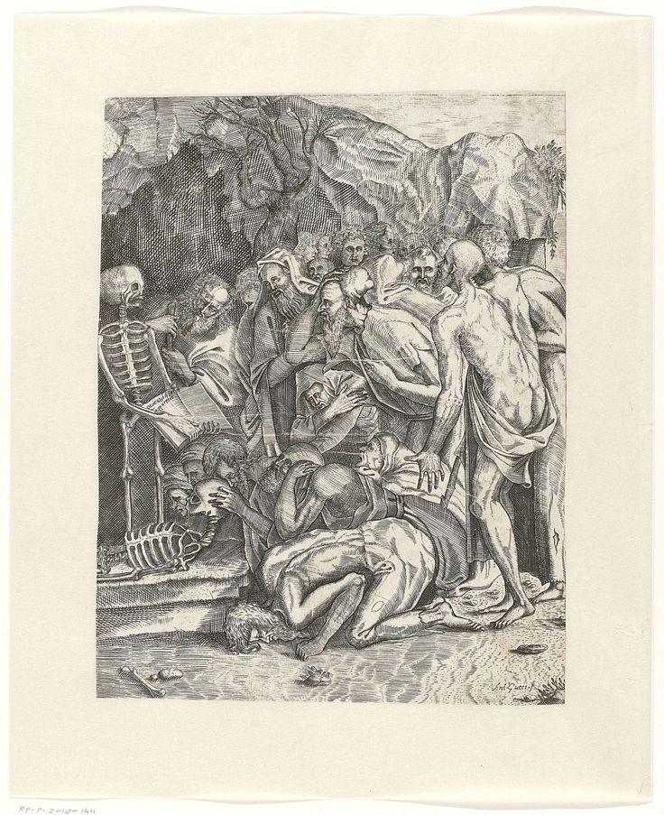 Antonio Gucci | Allegorie op de Dood, Antonio Gucci, Marco Dente, Baccio Bandinelli, c. 1550 - c. 1600 | Een grote groep oude mannen die bij de ingang van een grot knielt voor een skelet dat een boek ophoudt met het opschrift: 'Quidquid latet apparebit' (afkomstig uit het Dies Irae). Onder het skelet ligt een tweede skelet waarvan de schedel wordt aangeraakt door een man met baard. Een man op de voorgrond ligt gebogen met het hoofd tegen de grond.