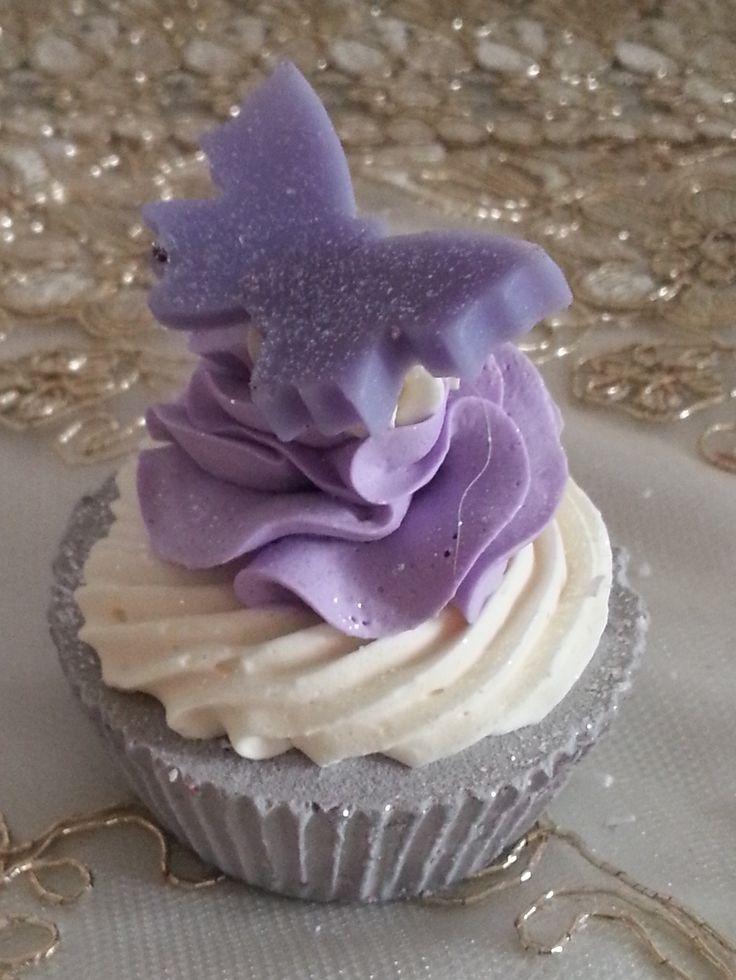 Cupcake Butterfly cup cake, oggetti decorativi, saponi, saponi naturali artigianali, bomboniere , shabby, chic soap, prodotti naturali, vegan