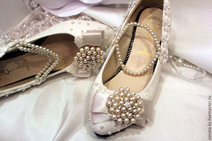 """Купить Свадебные туфли """"Жемчужные"""" - серебряный, туфли женские, свадебные туфли, свадебная обувь, обувь"""
