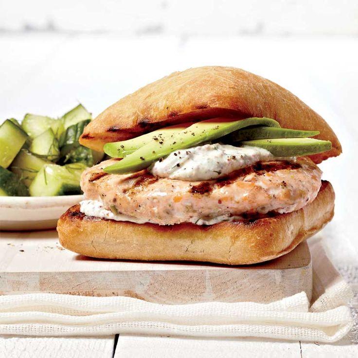 Hamburgers au saumon, au concombre et à l'avocat - Des hamburgers pour tout l'été