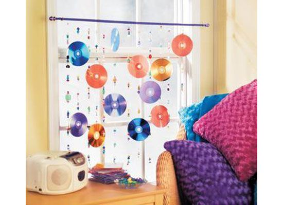 DIY: Decorating your dorm room with old CDs   Dormify