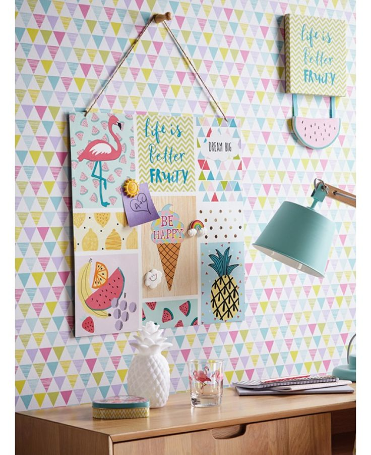 This Jester Geometric Wallpaper by Arthouse features multi-coloured candy coloured pastel tones of pink, blue, green, yellow and purple. This harlequin style patterned wallpaper would look great when used for a feature wall or equally good when used to decorate a whole room.