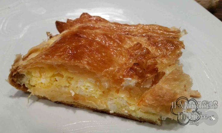 La Tiropita, una buonissima torta salata ripiena di feta. Veloce e facile da preparare