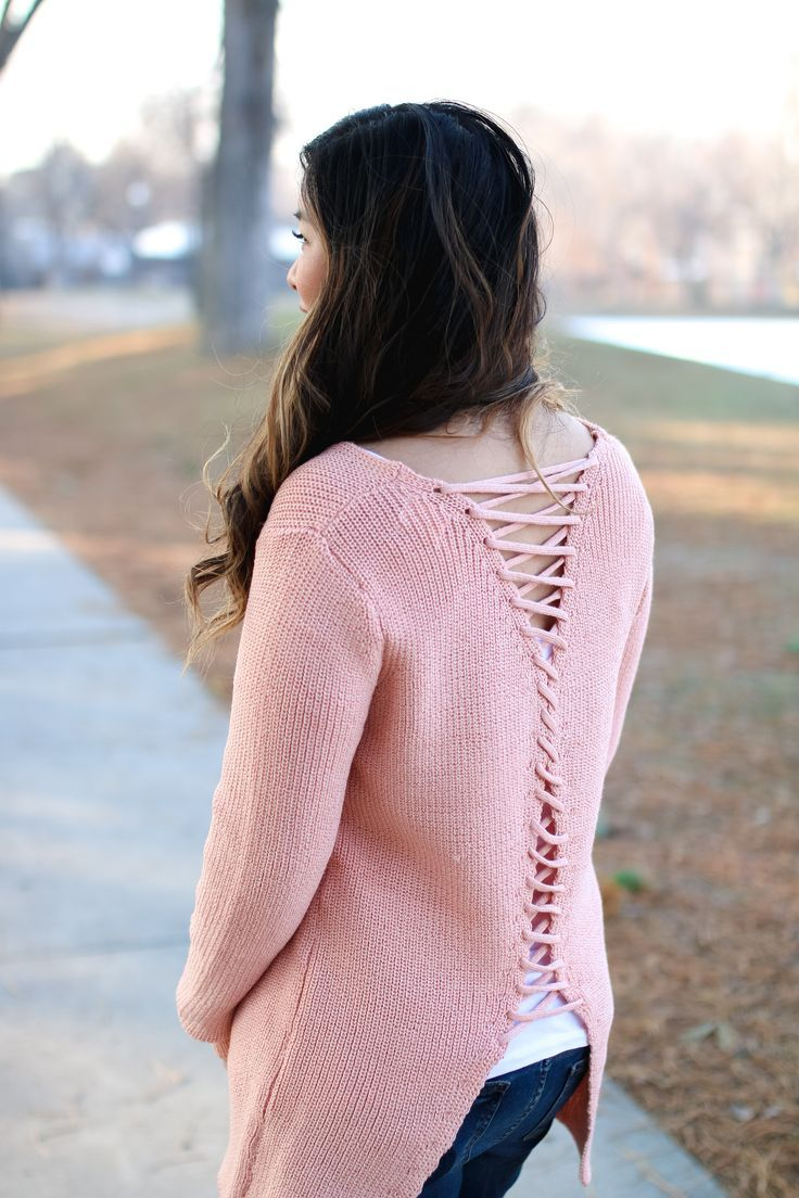 BB Styled Boutique Lace Up Sweater | winter style tips | winter fashion ideas | styling for winter | cold weather fashion | how to style a lace up sweater || Sandy a la Mode