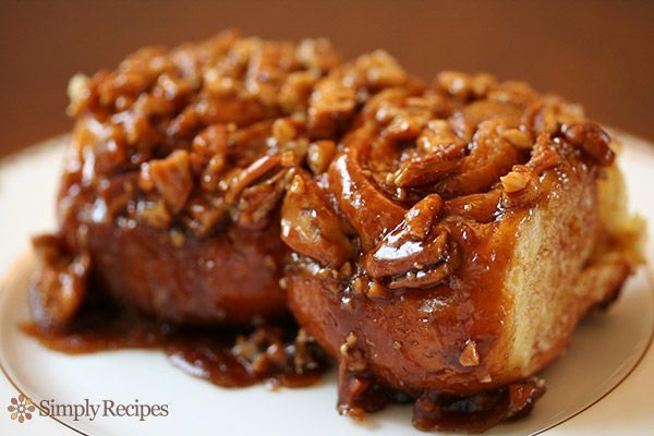 Cinnamon Sticky Buns ~ Cinnamon sweet sticky buns, with melted brown sugar and pecans. So addictive! On SimplyRecipes.com