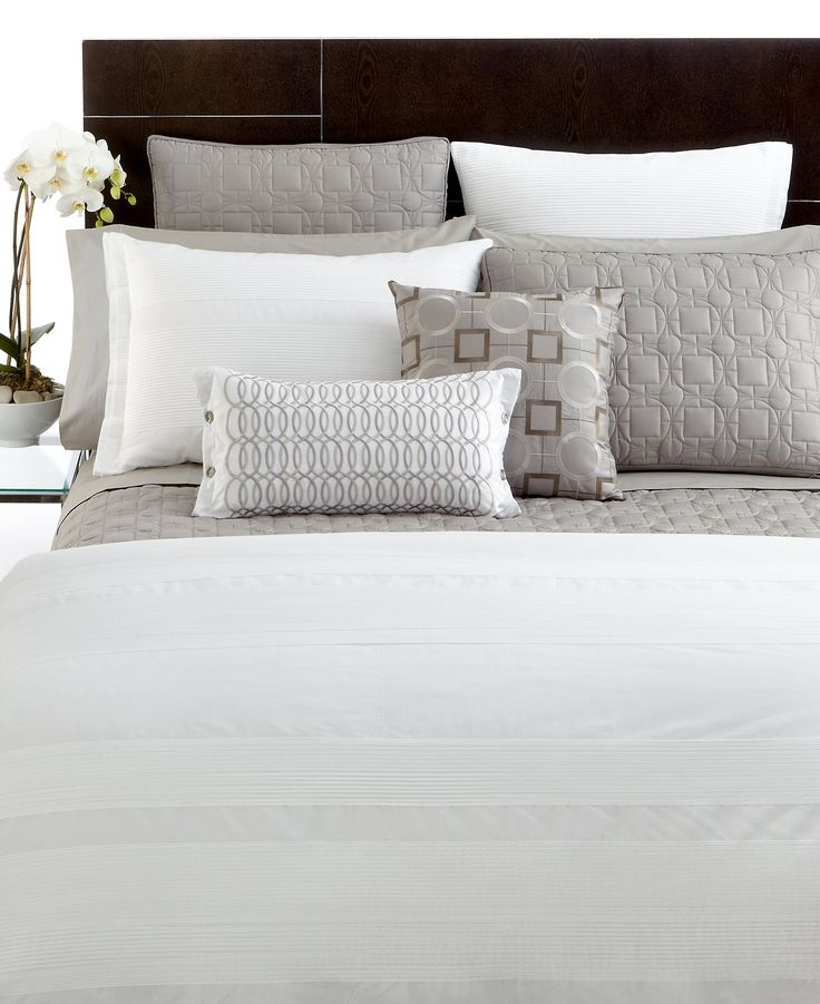 Best 25 hotel collection bedding ideas on pinterest for King shams on queen bed