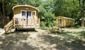 Camping Indigo les châteaux | Camping châteaux de la Loire, camping val de Loire, camping Loire, camping Loire et Cher, hébergement Châteaux de la Loire, camping sologne | www.camping-indigo.com