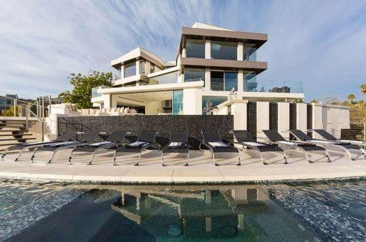 Casas de sonho: Viver numa mansão de luxo com vista privilegiada para Los Angeles (fotos) — idealista/news