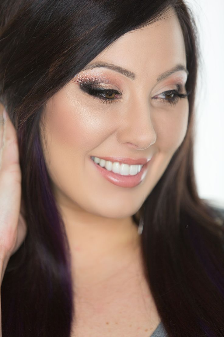 Add some High Fashion flare to your makeup routine this week! Click to learn how to recreate this fashion forward look!