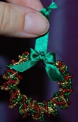 Naturally Me Creations: Mini Beaded Wreath for Xmas Tree - Tutorial