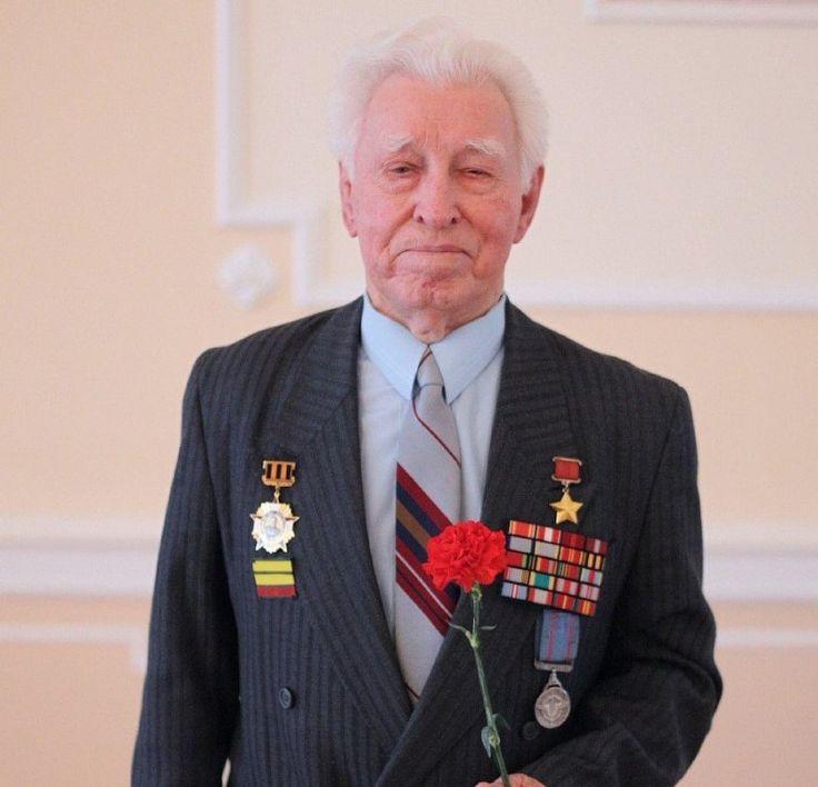 Скончался последний в странах Балтии Герой Советского Союза Леонид Бородин | CCCP