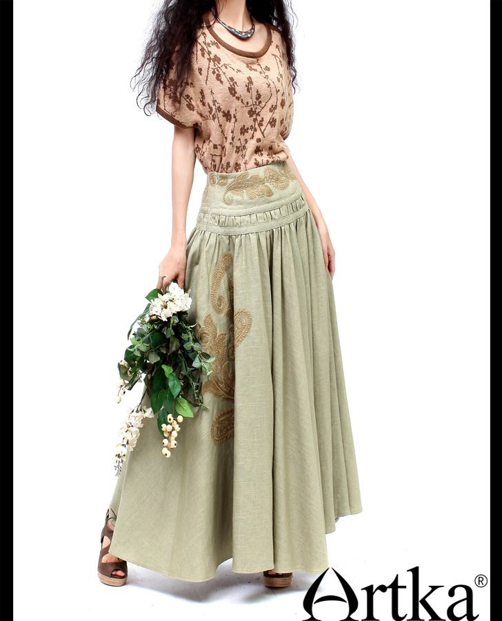 Длинная юбка в стиле ретро на широком поясе-кокетке с вышивкой
