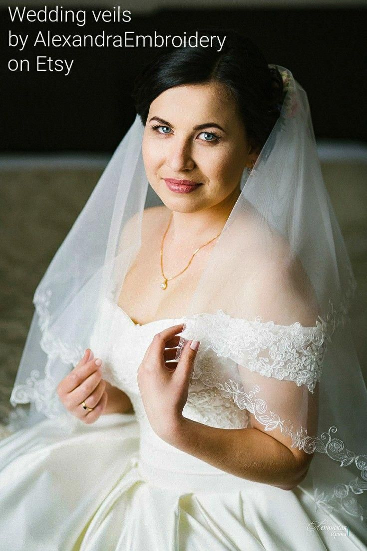 Two layer wedding veil with simple embroidery design bridal veil