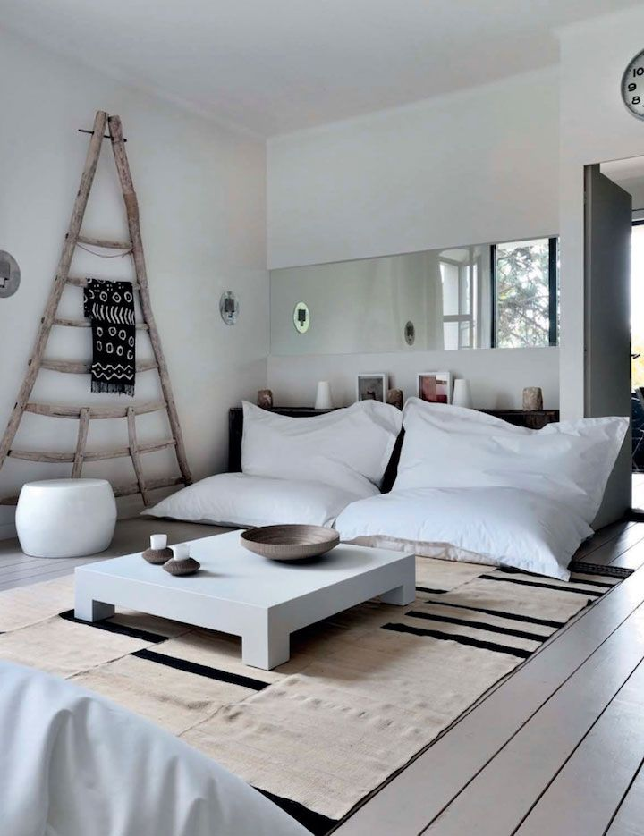 Modern traditional Casual House interiors 6
