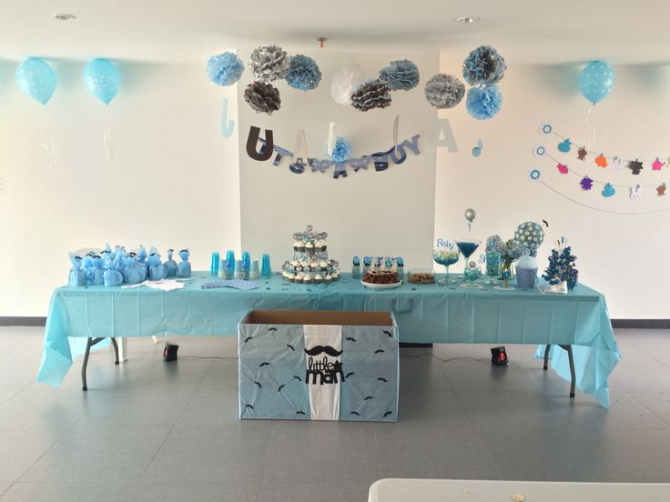 Baby shower party table