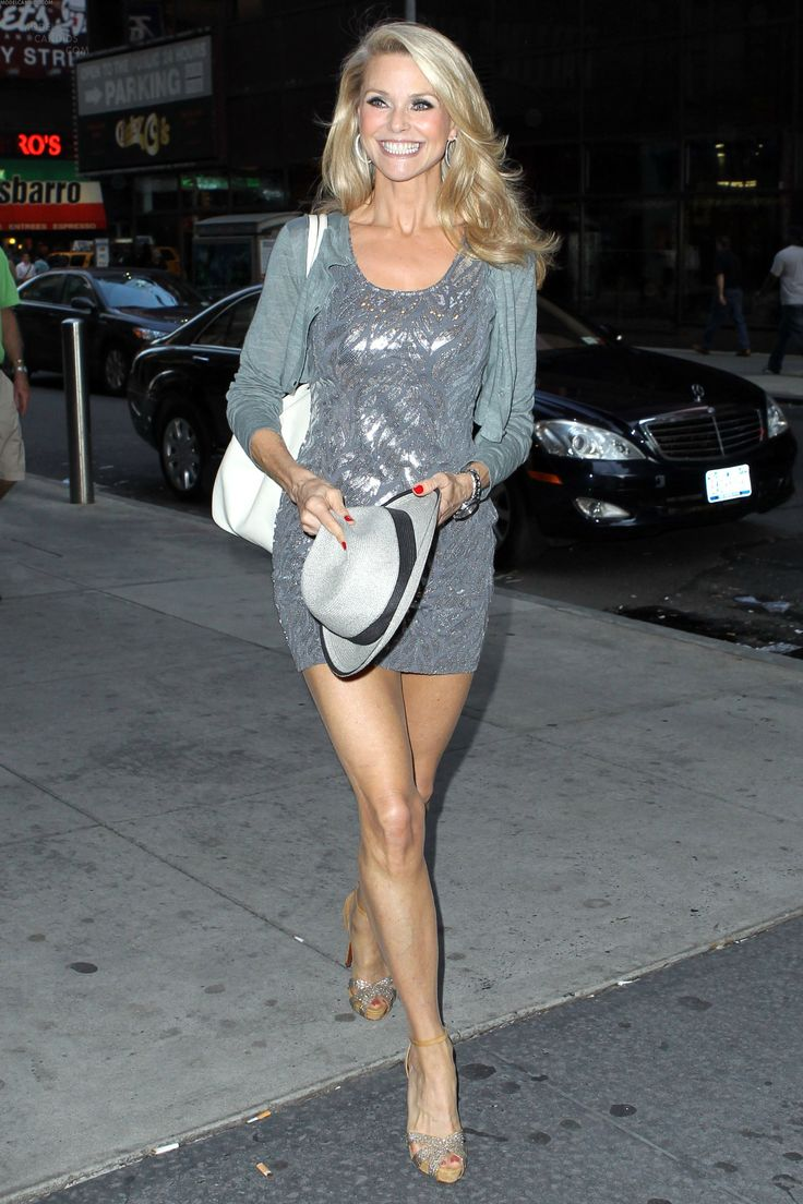 Christie Brinkley, 61 - Looking great for her age or any age! #Ageless #AgelessVibe