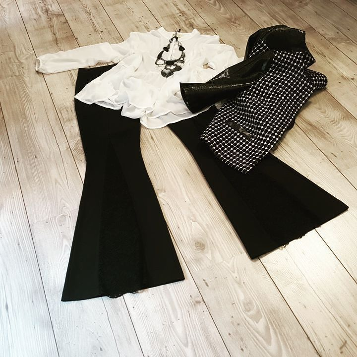 #almagores #jacket #blackandwhite #necklace #annabijoux #chains #shirt #h2o #tagstagram  # instafashion #photooftheday#tag #instamood # instanew #photooftheday #instagood #fashion #fashiostyle#pants #shoes #moda #taranto #italy #bestoftheday #jeans #jacket #tshirt #model #instacool #streetwear #outfitoftheday #menswear #womenswear #suite 54