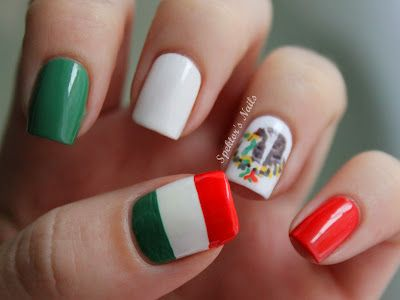 Mexican Flag Nails
