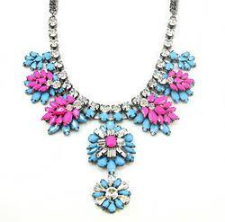 Resin Stone Flower Pendant Necklace