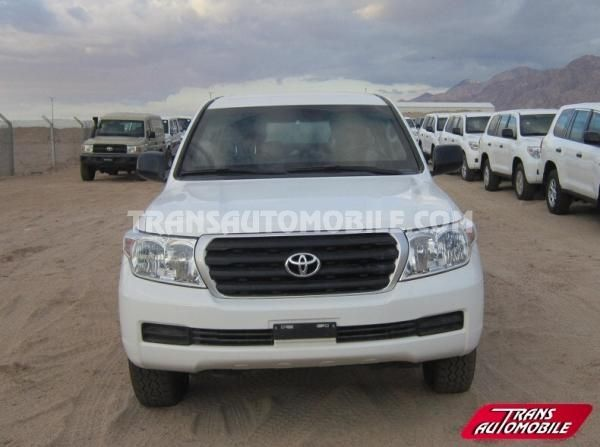 Armored Toyota Land Cruiser 200 Station Wagon 4.5L D4D V8 blindé/armoured BR6 4X4 (to sale) https://www.transautomobile.com/en/export-toyota-land-cruiser-200-station-wagon/1349?PI