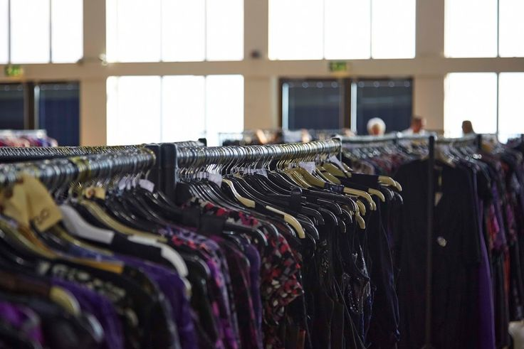 Heavy duty clothes rails for clothes display