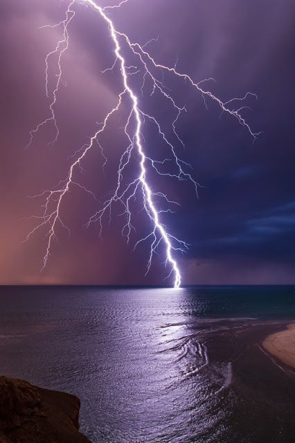 Lightning on the beach | COLOR LUST | every color ever ...