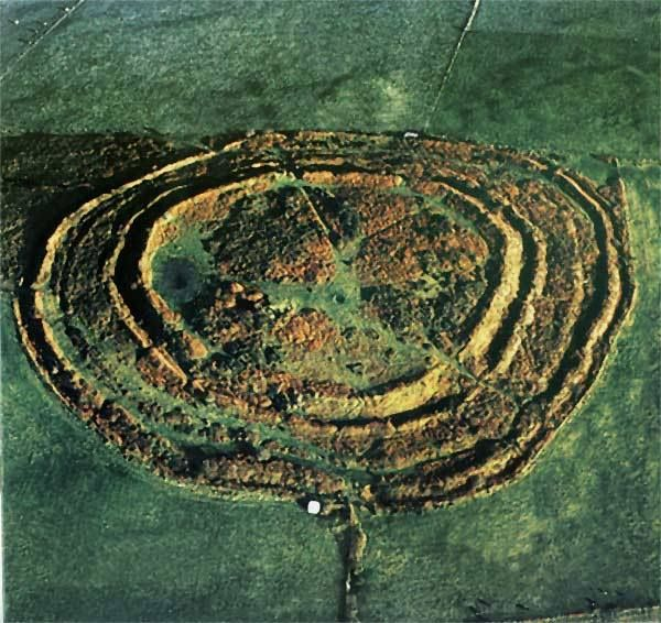 CASTLE-AN-DINAS: St Columb Major, Cornwall. 'Iron Age hill-fort, possibly on the site of a Neolithic enclosure' ✫ღ⊰n