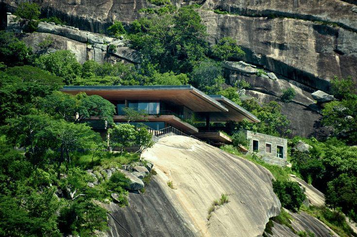 Gallery of Gota Dam Residence: A House on a Rock / Sforza Seilern Architects - 4