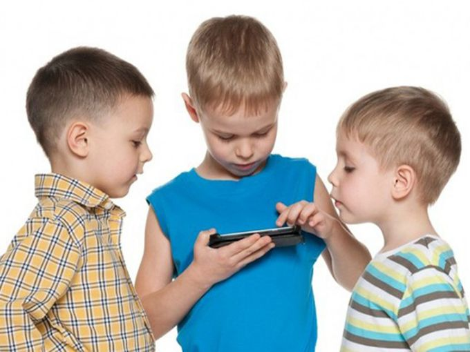 Nielsen's new Mobile Kids Report finds that 10 is an