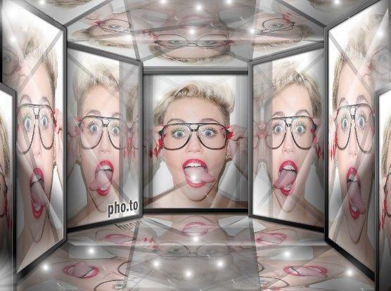 Laberinto de espejos en collage