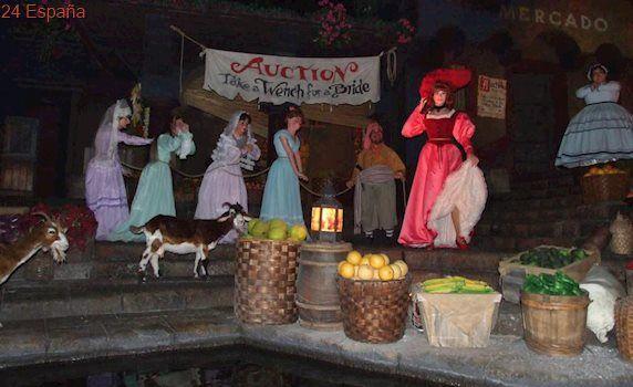 Los parques Disney eliminan la subasta de mujeres en su atracción de 'Piratas del Caribe'