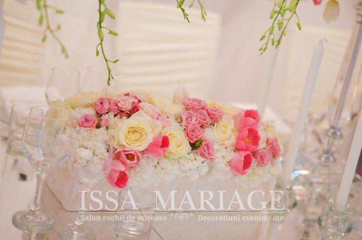 Aranjamente florale pe suport si masa de oglinda IssaMariage