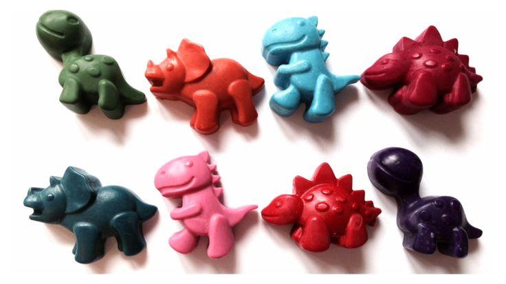 Dinosauro pastelli di cera, insieme alla rinfusa di 20.  Sacchetto Party, favore di nozze, regalo di compleanno, regalo bambini.  Colori assortiti. by MySilverPenguin on Etsy