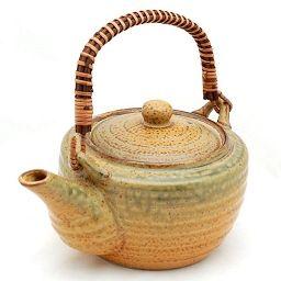 Czajnik do herbaty Irabo. Duży, masywny, dla dużej rodziny albo na spotkanie przy herbacie w gronie przyjaciół.
