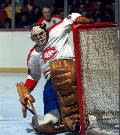 Ken Dryden : La fin des années 1970 a appartenu aux Canadiens de Scotty Bowman. Le défilé de la coupe Stanley s'est déroulé à Montréal quatre printemps consécutifs entre 1976 et 1979 et Dryden a remporté le trophée Vézina à chacune de ces saisons.