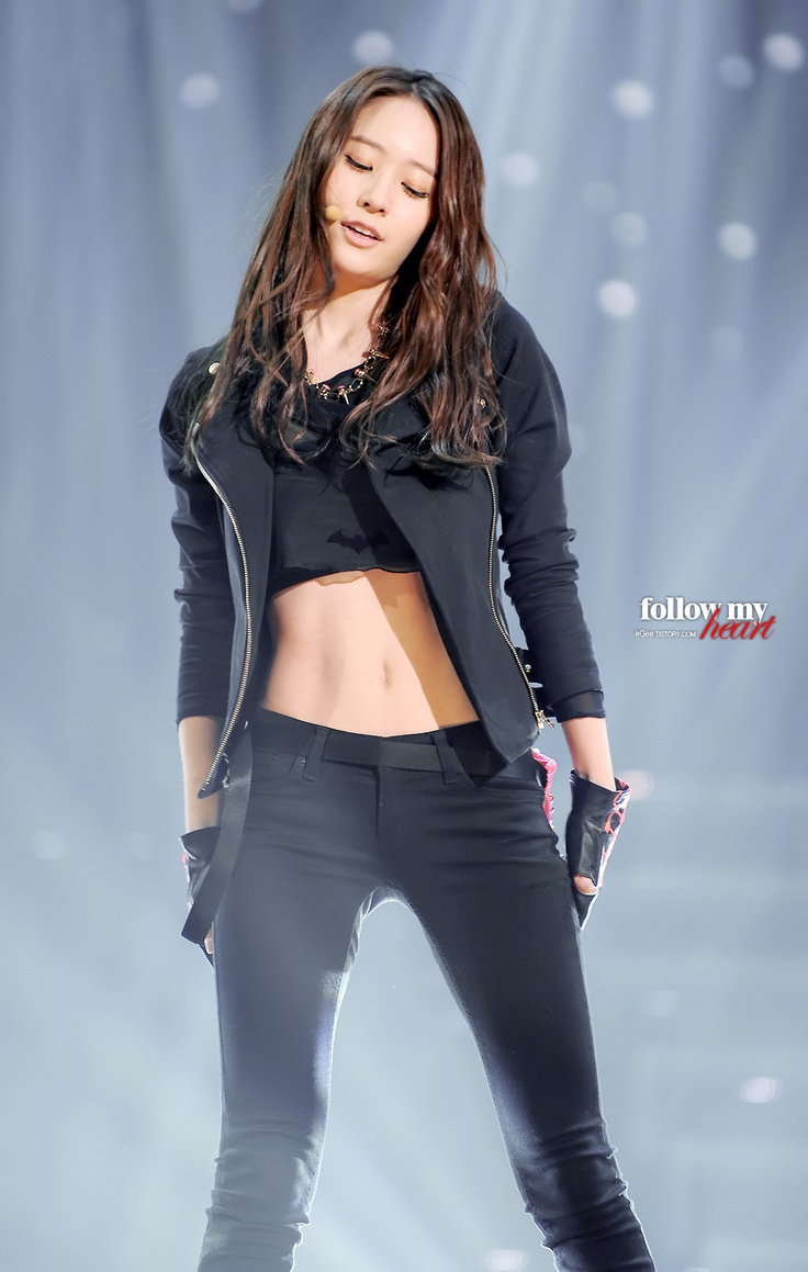 Krystal- f(x). Look at that toned stomach.